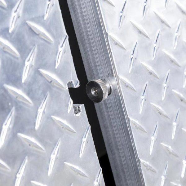 QSL Training Table locking mechanism